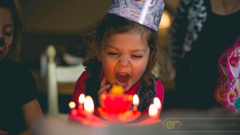Tổ chức sinh nhật cho bé